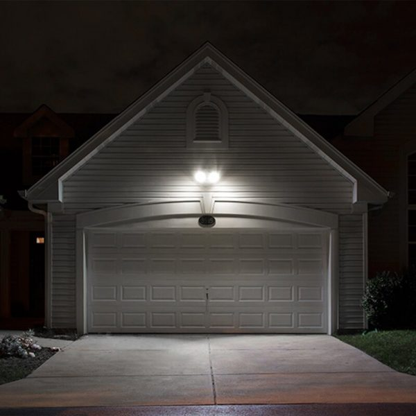 Dags för nya strålkastare att lysa upp garageuppfarten